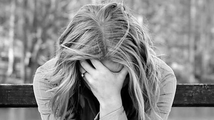 Лечение депрессии очень важно, поскольку на самом деле такой недуг может спровоцировать еще более серьезные психологические проблемы.