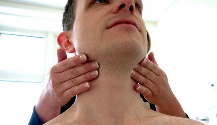 В идеале при воспалении лимфоузлов нужно перво-наперво обратиться к врачу.