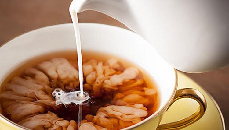 Полезно будет пить чай, особенно с молоком.