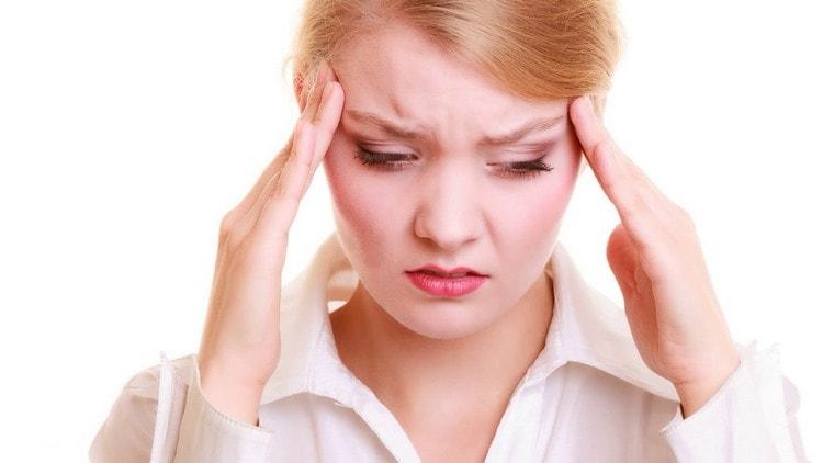 Спровоцировать такой недуг могут как переохлаждение, так и стресс.