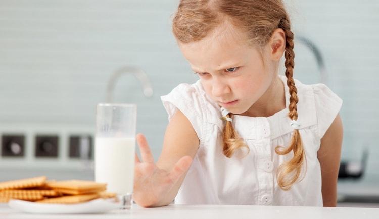 нередко при аскаридах у детей возникает непереносимость какого-то продукта, к примеру, молочки.