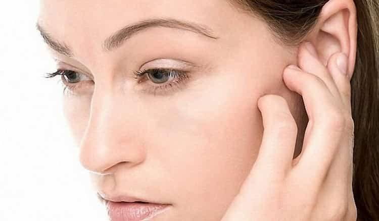 Заложило ухо при насморке: что делать, как снять заложенность