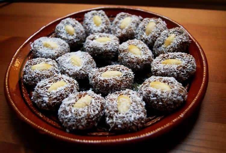 на основе этих вкуснейших фруктов можно делать не только вкусные, но и полезные домашние конфеты.
