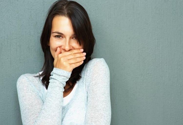 Если надо избавиться от неприятного запаха изо рта, можно пожевать кусочек кожуры цитрона.