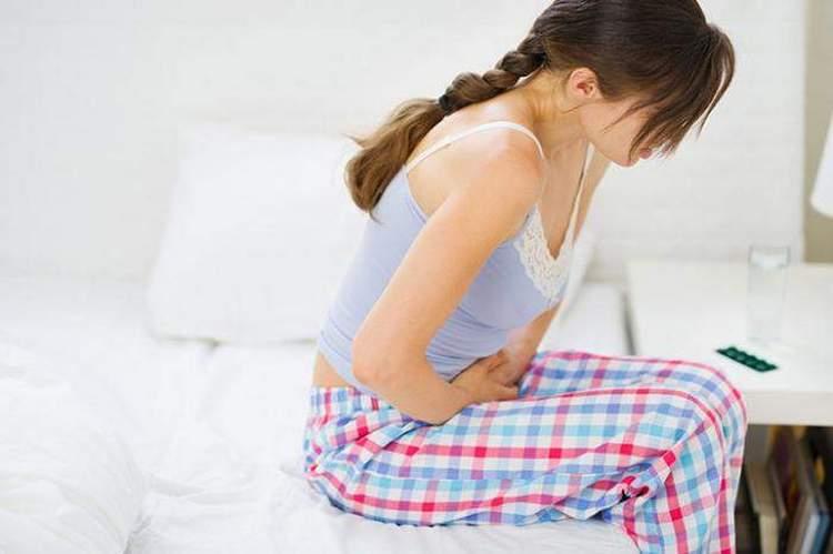 Экстракт водяного перца часто назначают после родов для сокращения матки, а также прим месячных.