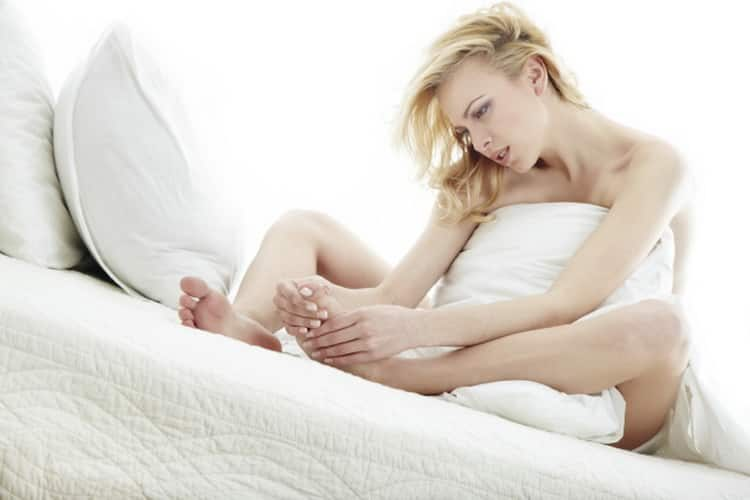 Все о симптомах и лечении синдрома беспокойных ног в домашних условиях