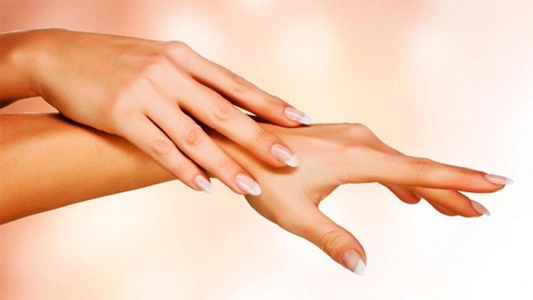 Огромную пользу может принести для кожи масло грецкого ореха.