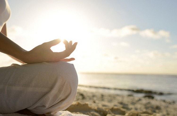 Полезной для анорексиков будет и йога.