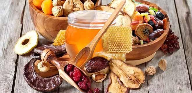 Мёд и сухофрукты