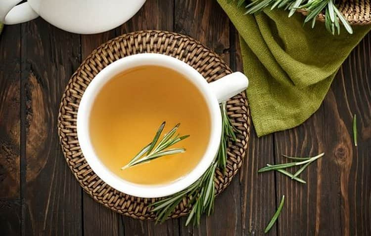 Полезно будет пить чай и отвар розмарина.