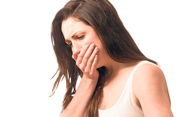 Передозировка препаратов на основе растения может вызвать тошноту.