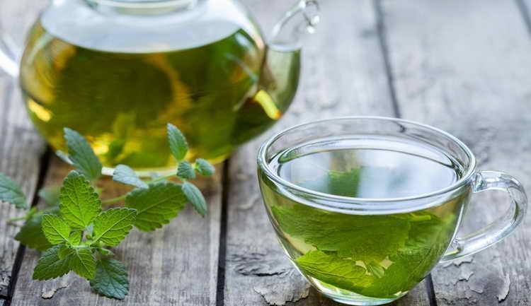 Чай с мелиссой от нейродермита