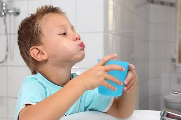Как использовать фиалку при кашле