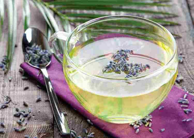 Полезные свойства чая с лавандой позволяют использовать его при лечении недугов мочеполовой системы.
