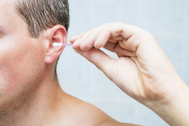 Все о причинах, симптомах и лечении зуда в ухе