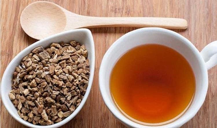 Для лечения анорексии можно использовать отвар корня аира.