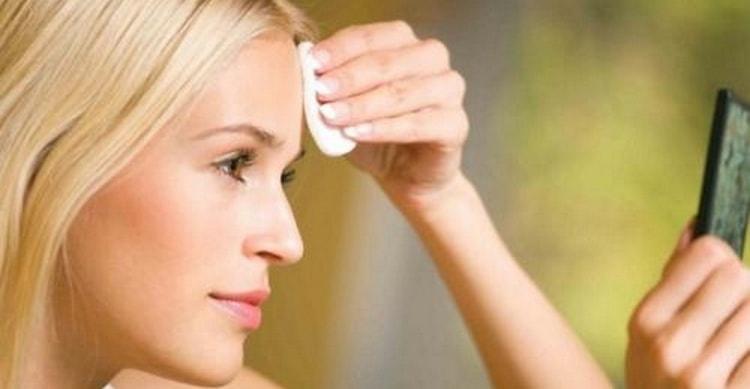 Помимо масок, важно помнить и о других косметических процедурах.
