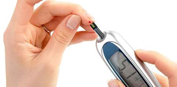От завышенного сахара в крови поможет петрушка