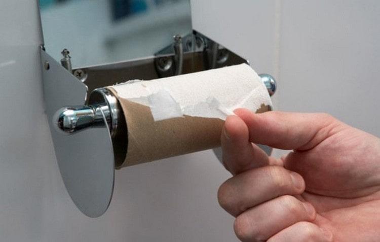 Нередко понос у взрослого можно остановить лечением в домашних условиях.