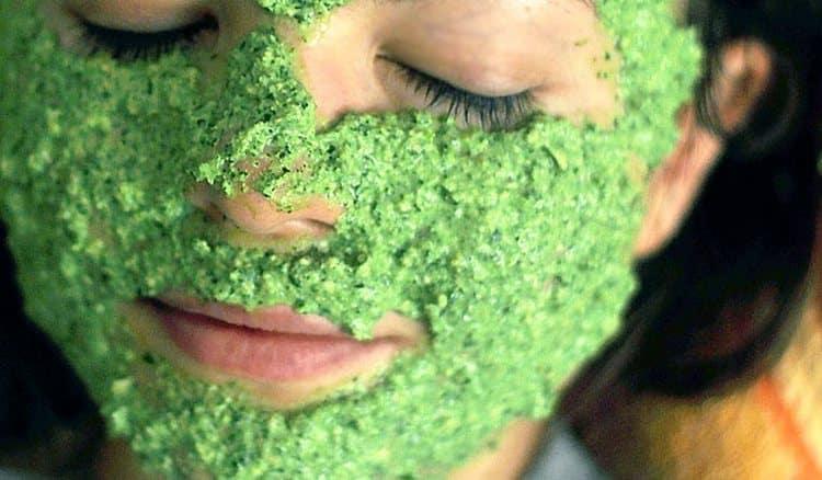 держать маску на лице надо минут 20.