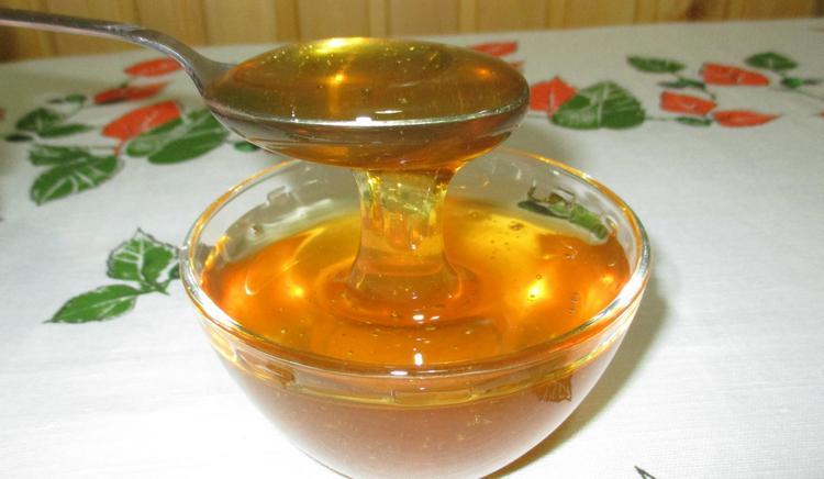 При лечении воспаления лимфоузлов на шее в домашних условиях можно также принимать сироп эхинацеи на меду.