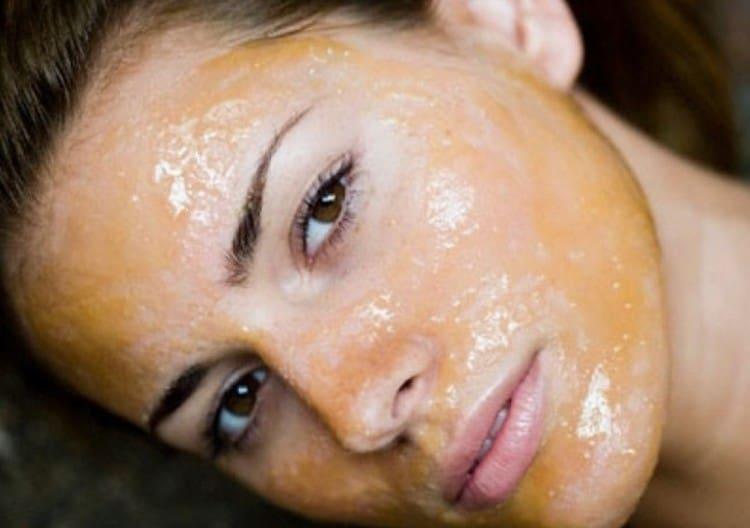 Сливы можно также использовать для приготовления масок для лица.