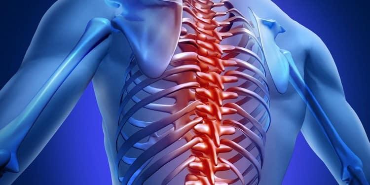 Нередко на возникновение такой невралгии влияют травмы грудного отдела позвоночника.
